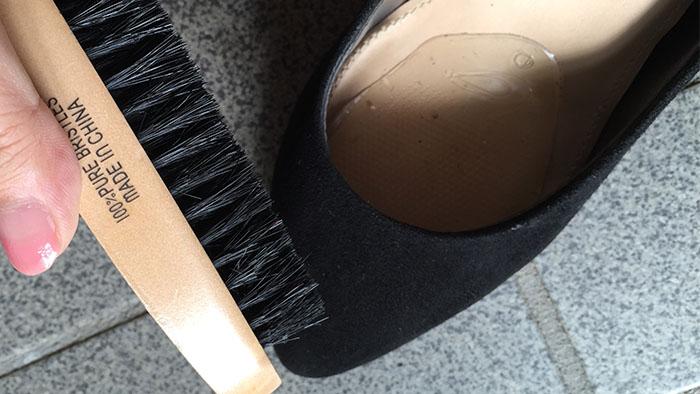 靴のブラッシング